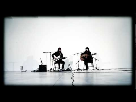 DUM DUM GIRLS - Hold your hand (FD acoustic session)
