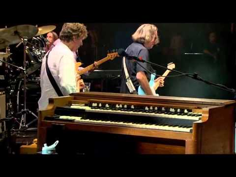 Steve Winwood and Eric Clapton - Dear Mr. Fantasy (HQ)(Crossroads Guitar Festival 2010)