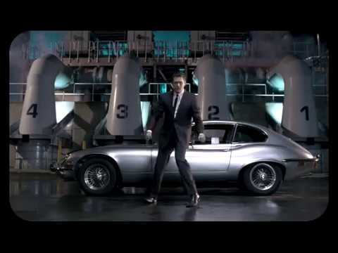 Michael Bublé - Feeling Good [Official Music Video]