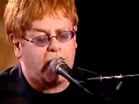 Клип Elton John - I just can`t wait to be king