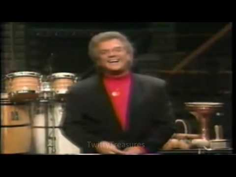 Conway Twitty - It's Only Make Believe (1993) Live HQ