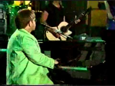 Elton John - Can You Feel The Love Tonight - Live in Tokio 1998